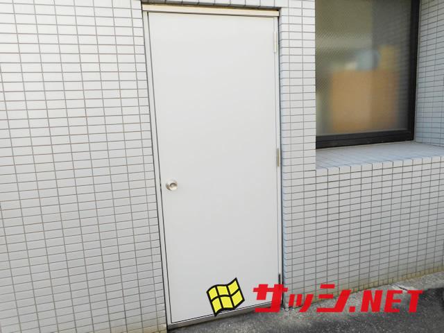 愛知県名古屋市中区 ドア取替「急な工事にすぐに対応してくれて心強かったです!」工事店 片開きスチールドア取替工事【株式会社サッシ.NET】